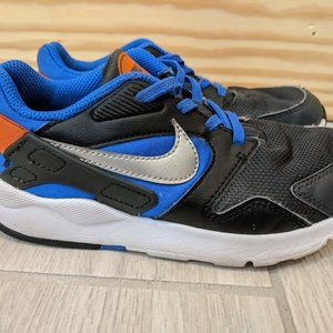 Nike Victory Anthracite boys size 13.5